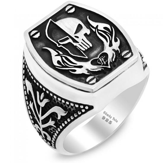 Özel Tasarım Şövalye Kuru Kafa Figür Gümüş Erkek Yüzük 925 Ayar